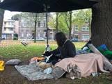 Weldoeners vangen dakloze Korvelplein op in caravan: 'Om te overwinteren'