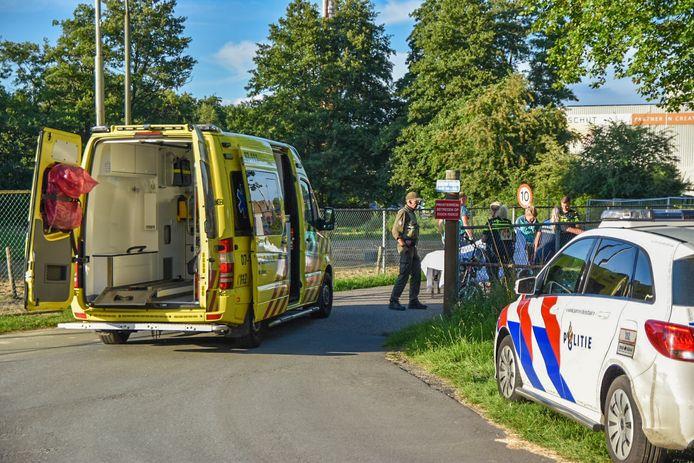 Het slachtoffer is per ambulance van uit Heelsum naar het ziekenhuis in Arnhem gebracht.
