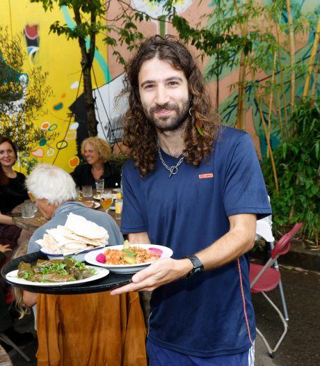 Van Syrië naar een hummus-bar bij De Achtertuin in Nijmegen: 'Eten verbindt verschillende werelden'
