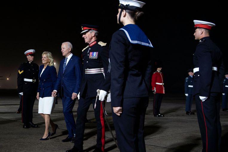Biden en zijn vrouw komen woensdag aan in Cornwall, Engeland. De huidige Amerikaanse president geniet aanzienlijk meer vertrouwen in het buitenland dan zijn voorganger Trump. Beeld AFP