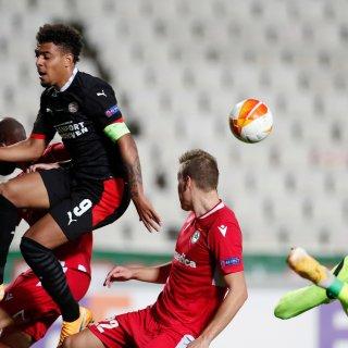 Aan de hand van Malen overwint PSV alle problemen en wint in blessuretijd van Cyprus (1-2)