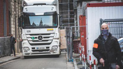 Lam Gods verhuist naar Sint-Baafskathedraal: truck met klimaatregeling én politie met machinegeweren