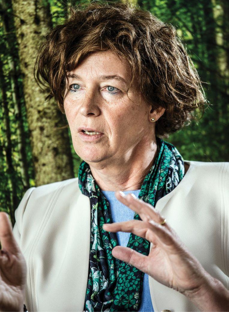 Petra De Sutter: 'Voor we het weten, experimenteert iemand met designerbaby's die fysiek sterker én slimmer zijn. Wat dan?' Beeld Bob Van Mol