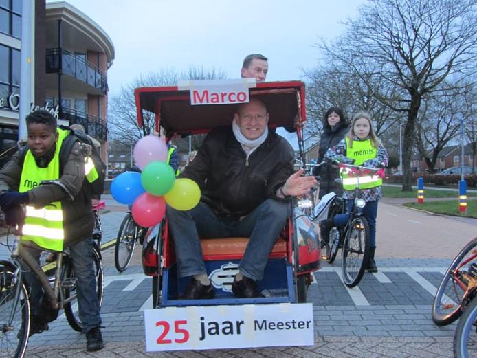 Docent Marco Collet viert zilveren jubileum | Wierden ...