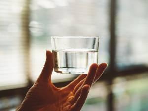 6 astuces faciles pour boire plus d'eau au quotidien sans s'en rendre compte