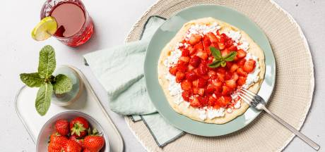 Wat Eten We Vandaag: Flatbread met aardbeien in limoensiroop
