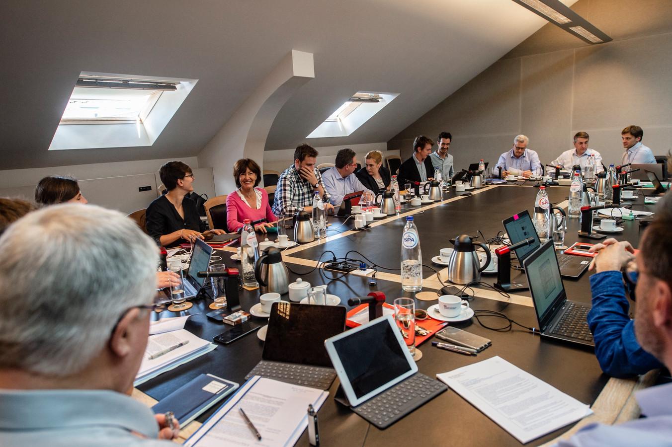 Beeld van de onderhandelingen voor de vorming van een Brusselse regering.