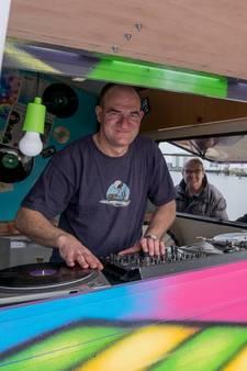 Vlissinger begint mobiele muziektent: de Muziek-caravan