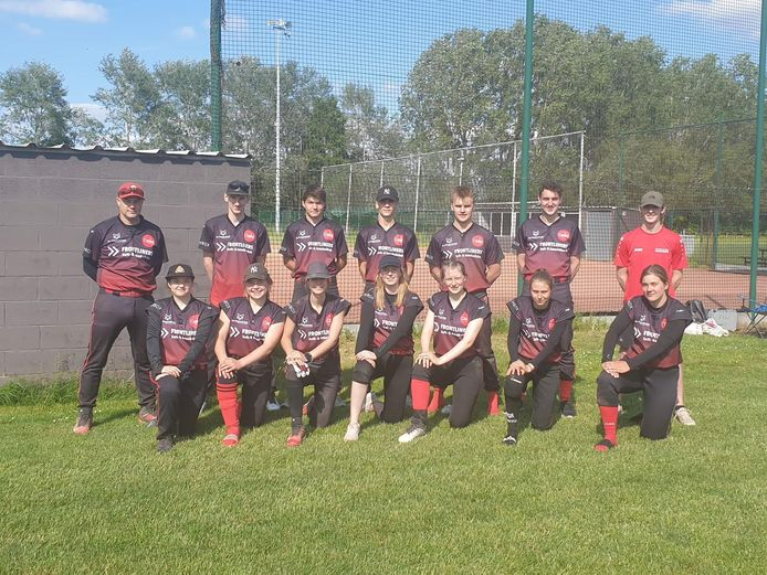 Het team van de Poperinge Frontliners dat afgelopen weekend het opnam tegen Heist op den Berg Afterburners.