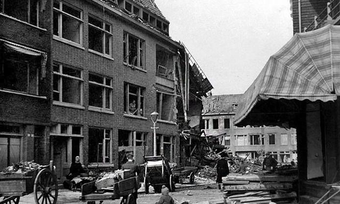 De inslag van de V1 zorgde op 18 maart 1945 voor een enorme ravage in de Treubstraat.