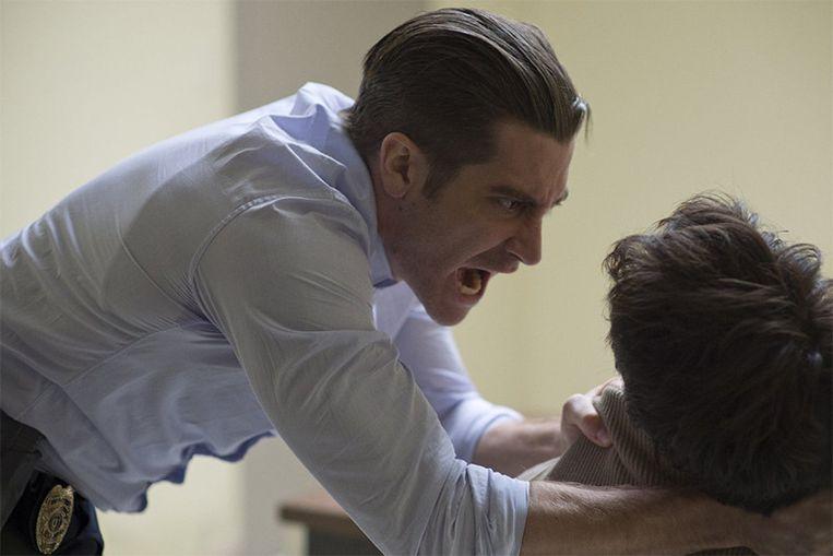 Jake Gyllenhaal speelt detective Loki die zwaar onder druk staat in een delicate zaak. Beeld IMDB