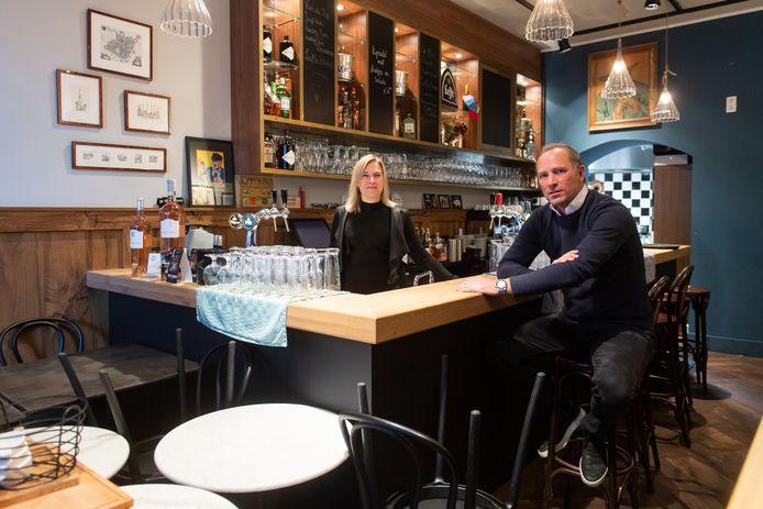 BREDA - Jaap Bos en Linda van Dongen van café de Vrienden van Jaap krijgen geen financiële steun van de overheid. Ze kunnen geen omzetcijfers over 2019 laten zien. Logisch, want de zaak is pas in maart van dit jaar geopend.