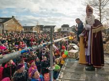 Sinterklaas wordt luidkeels toegezongen bij intocht in Ermelo