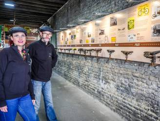 """Huur-Fiets duikt met zadels de geschiedenis van de tweewieler in: """"Nooit meer zadelpijn na het zien van deze expo"""""""