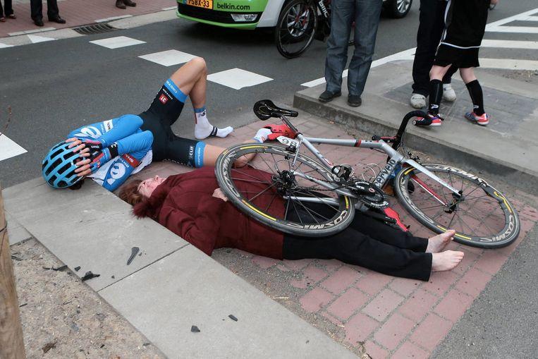 Op 6 april 2014 reed Johan Vansummeren met 60 kilometer per uur in op Marie-Claire Moreels uit Wielsbeke. Beeld Photo News