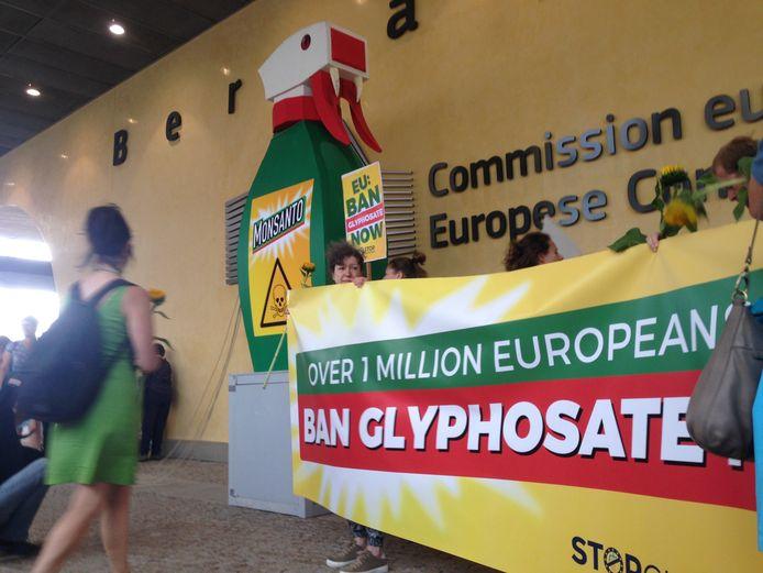 Een protest tegen glyfosaat bij de Europese Commissie.