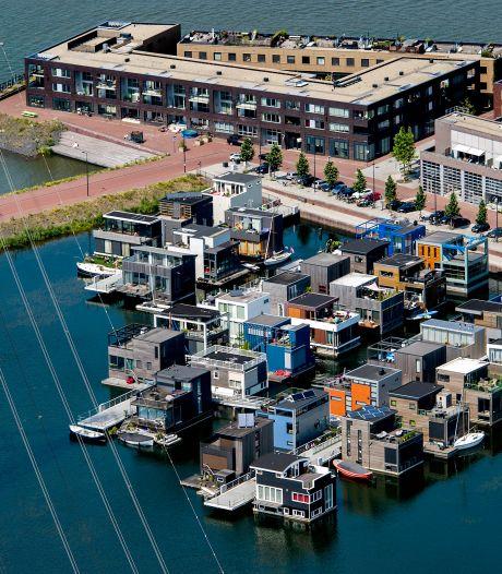 Kopers nieuwbouwhuizen moeten in Amsterdam vanaf nu zelf in hun huis wonen