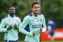 Derrick Luckassen en Mohamed Ihattaren bij het trainingskamp van PSV in Duitsland.