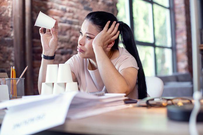 Eindeloos uitstellen, te laat gaan slapen of op kantoor verschijnen met een kater. We weten allemaal best hoe het wél moet, zegt gedragspsycholoog Chantal van der Leest.