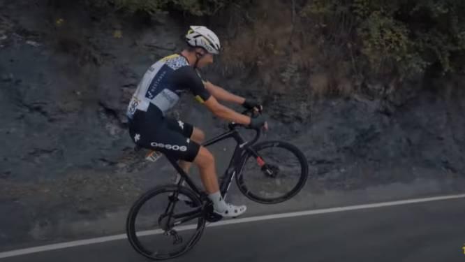 Max Walscheid rijdt tijdens 'Wheelie Contest' 174(!) meter op één wiel en verpulvert zo record van Oliver Naesen