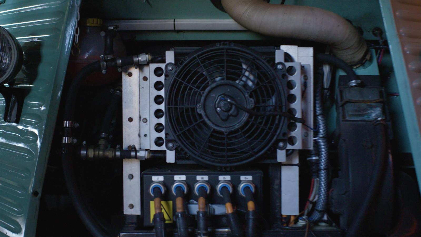 In de HY-bus werd de oude verbrandingsmotor vervangen door elektrische aandrijving