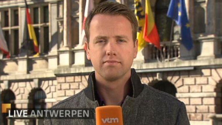 Philippe Beinaerts, voor het Antwerps Stadhuis. Beeld vmma