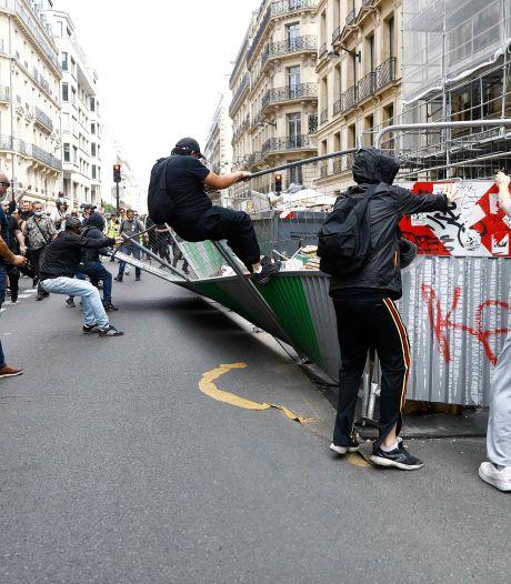 LIVE | Testlocatie bestaat niet: vakantievierders aan hun lot overgelaten, grote demonstraties in Frankrijk en Italië