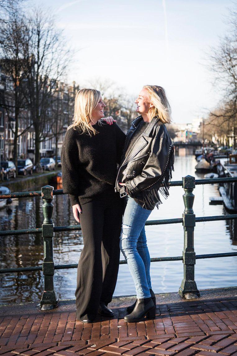 Eline van Galen (24) en Isabelle van Galen (26) Beeld Tammy van Nerum