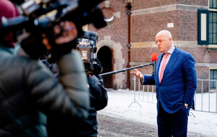 Demissionair Minister Ferdinand Grapperhaus van Justitie en Veiligheid (CDA) komt aan op het Binnenhof voor de wekelijkse ministerraad.