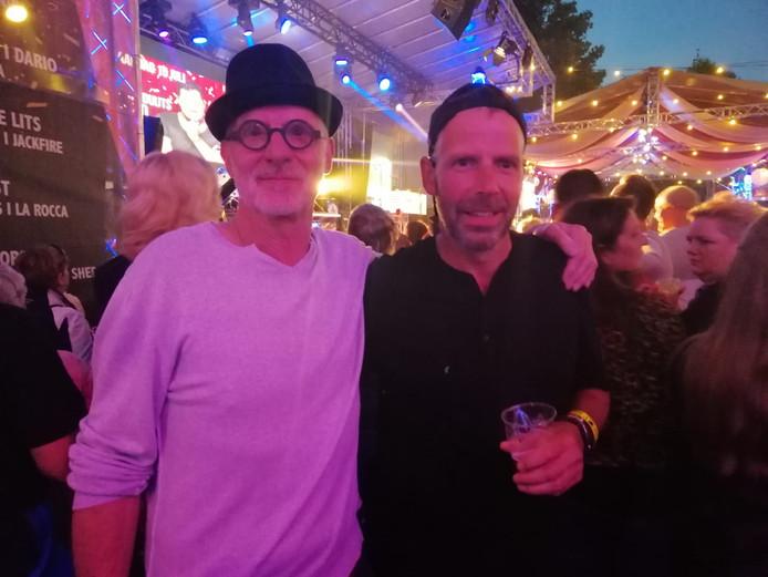 Feestende lopers Joop (links) en Ruud