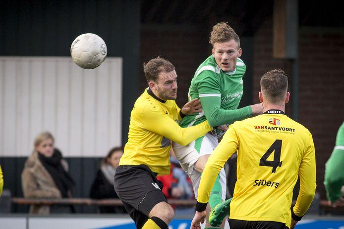 Job Derksen in actie namens HSC'21. Hij speelt nu voor Glacis United.