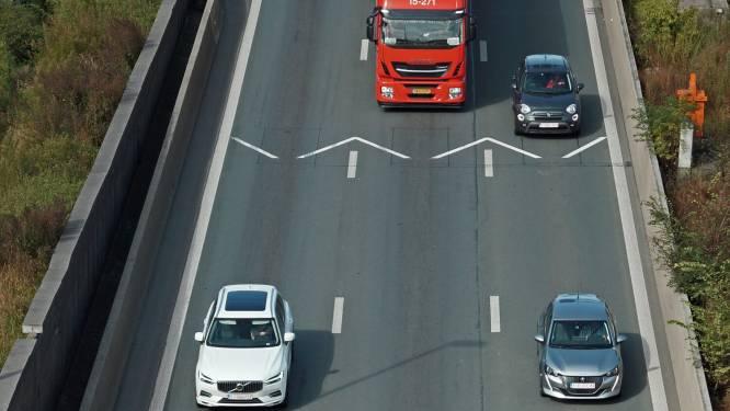 Nieuwe wegmarkering op Vlaamse snelwegen: dit is wat ze betekent