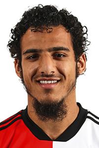 GOAL! 5-1 FC Utrecht! Doelpunt Yassin Ayoub. Opnieuw blunderd Vitesse-doelman Pasveer. Hij laat de bal van zijn voet springen en geeft zo Ayoub de gelegenheid zijn tweede treffer te maken. Het is niet de wedstrijd van Remko Pasveer.