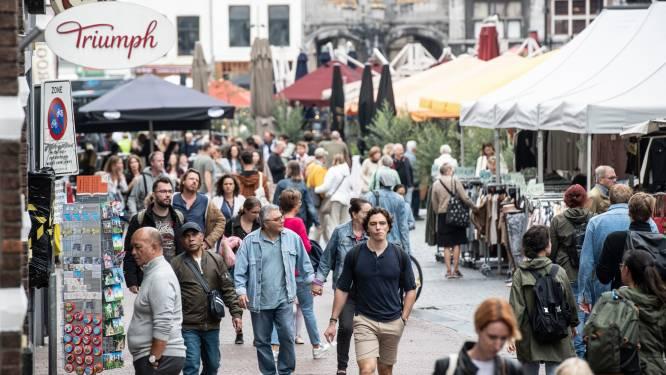 Zó ziet een dagje stad er nu uit zonder afstandsregels: 'Net alsof mensen minder angst hebben gekregen'