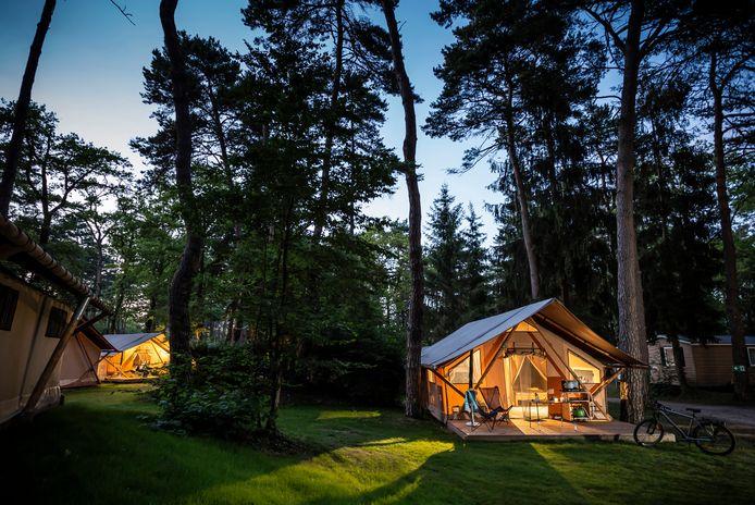Camping Huttopia - La Pinède