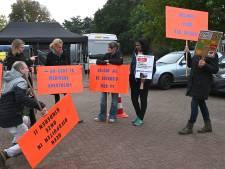 Demonstratie tegen anti-vaxxers in Boxmeer