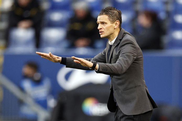 Rogier Meijer maant tot kalmte in de finale van de play-offs tegen NAC Breda. De coach van NEC stelt overleven als doel bij de rentree in de eredivisie.