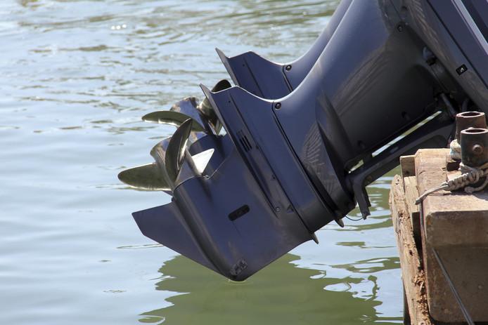 Een voorbeeld van een buitenboordmotor. In de jachthaven van Strijensas is er gisterochtend weer een gestolen.