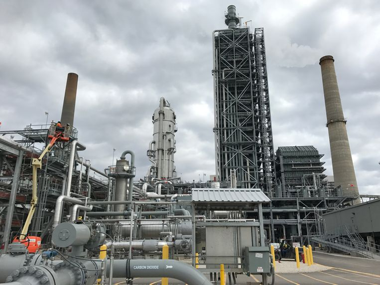 Een installatie waarmee CO2-uitstoot opgevangen kan worden bij een fabriek in de Amerikaanse staat Texas. Beeld Reuters