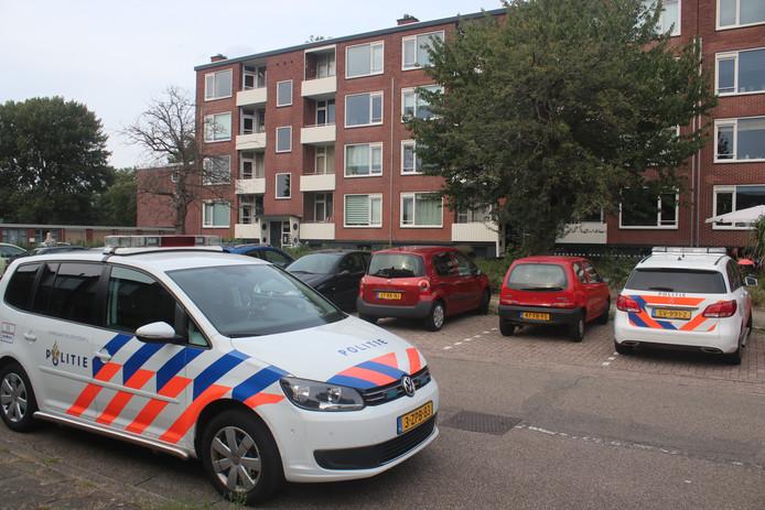 Dode aangetroffen in appartement aan Lekstraat in Apeldoorn.