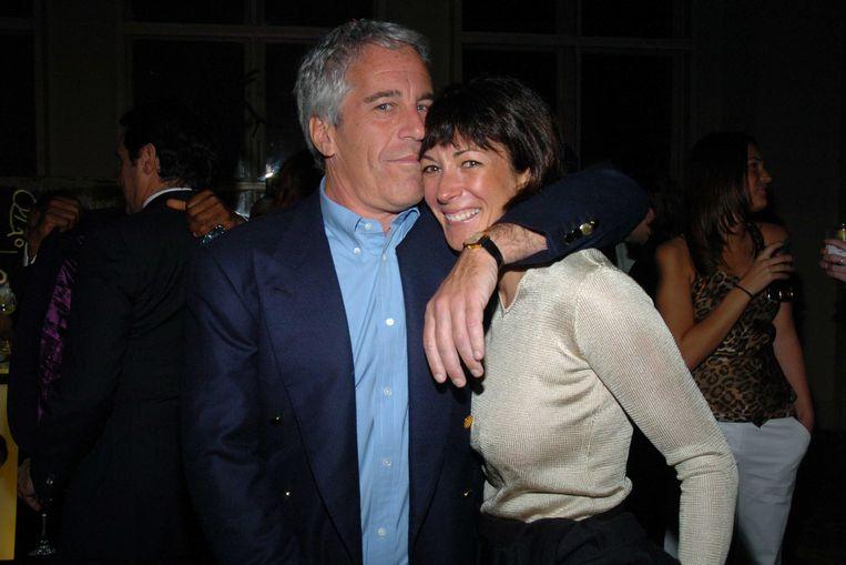 Jeffrey Epstein en Ghislaine Maxwell op een sponsorbijeenkomst in New York in 2005.  Beeld Patrick McMullan via Getty Image