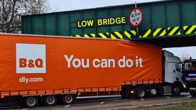 Met een positieve ingesteldheid kom je ver, maar niet overal, zo bewijst deze (te) grote vrachtwagen