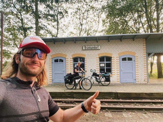 Tukkers Steven Borghouts en Sander Schimmelpenninck zijn nu vijf dagen op weg naar Lapland. Ze fietsen nu door Polen.