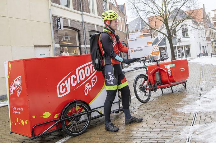 Zalando en Cycloon Post & Fietskoeriers uit Arnhem, dat al in zo'n 30 Nederlandse steden actief is, gaan samenwerken.