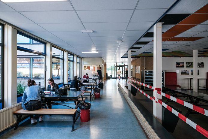 Chillen in de aula van het Liemers College locatie Heerenmäten kan voorlopig niet.