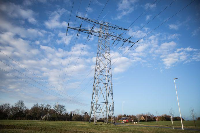 Alle hoogspanningsmasten in Halle zouden tegen 2024 afgebroken moeten worden.