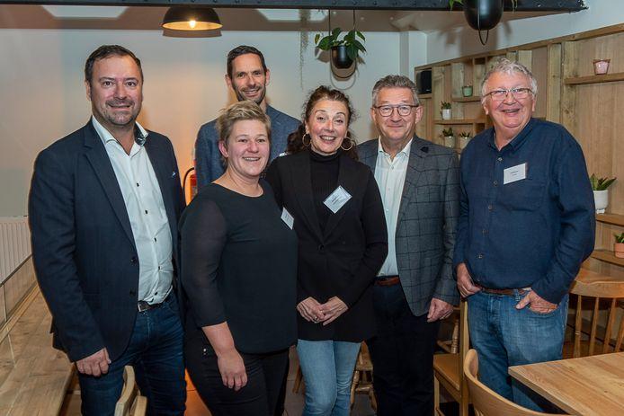Pablo Annys, Liesbeth Danneels (Hoofd diensten & food van vzw Sobo) David Rotsaert, Erika Vercauteren (hoofdverantwoordelijke van Het Paradijs), Dirk De fauw en Philip Marroyen.