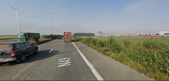 Het ongeval gebeurde ter hoogte van kilometerpaal 75 in de richting van Brugge.