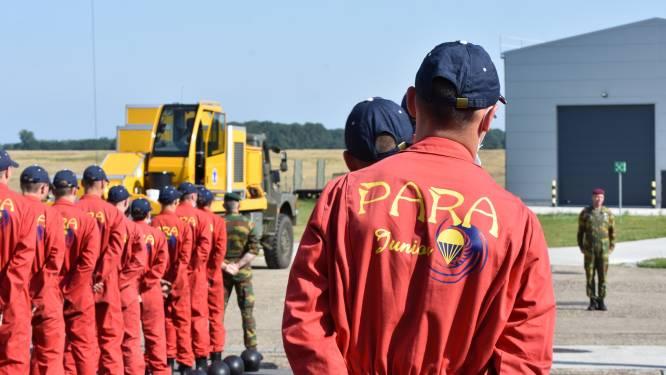 """Para junioren maken eerste parachute sprong tijdens jeugdstage: """"De meesten waren zeer euforische, al was er wel één gekwetste"""""""