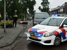 Bestuurder scooter naar ziekenhuis na aanrijding in Enschede